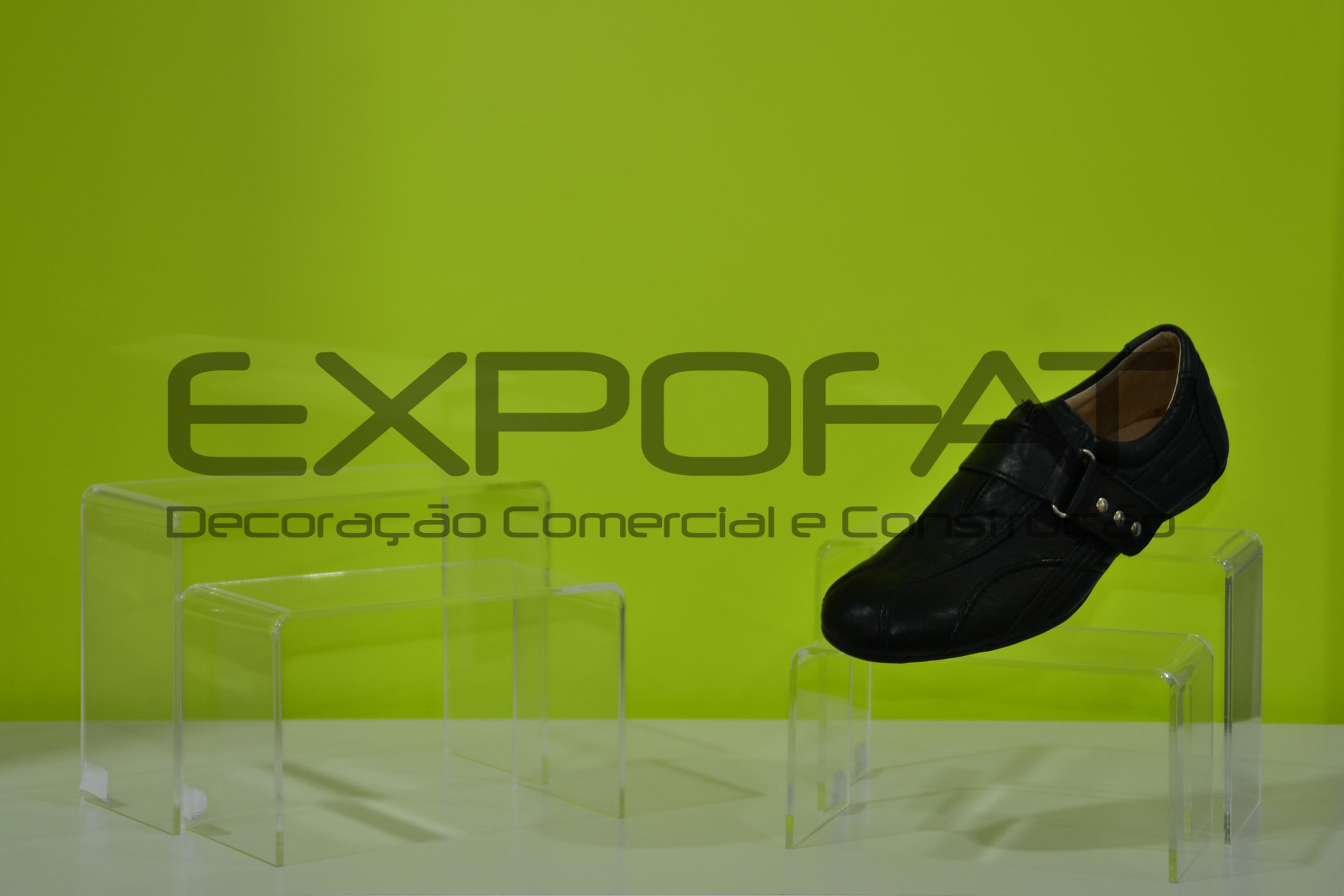 Expositores acrílicos para calçado