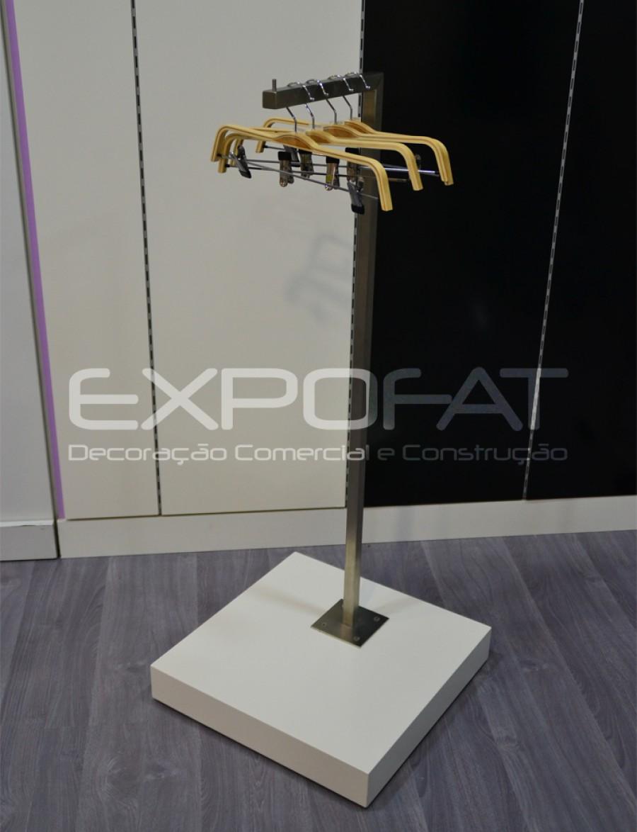 Expositor em inox com base lacada