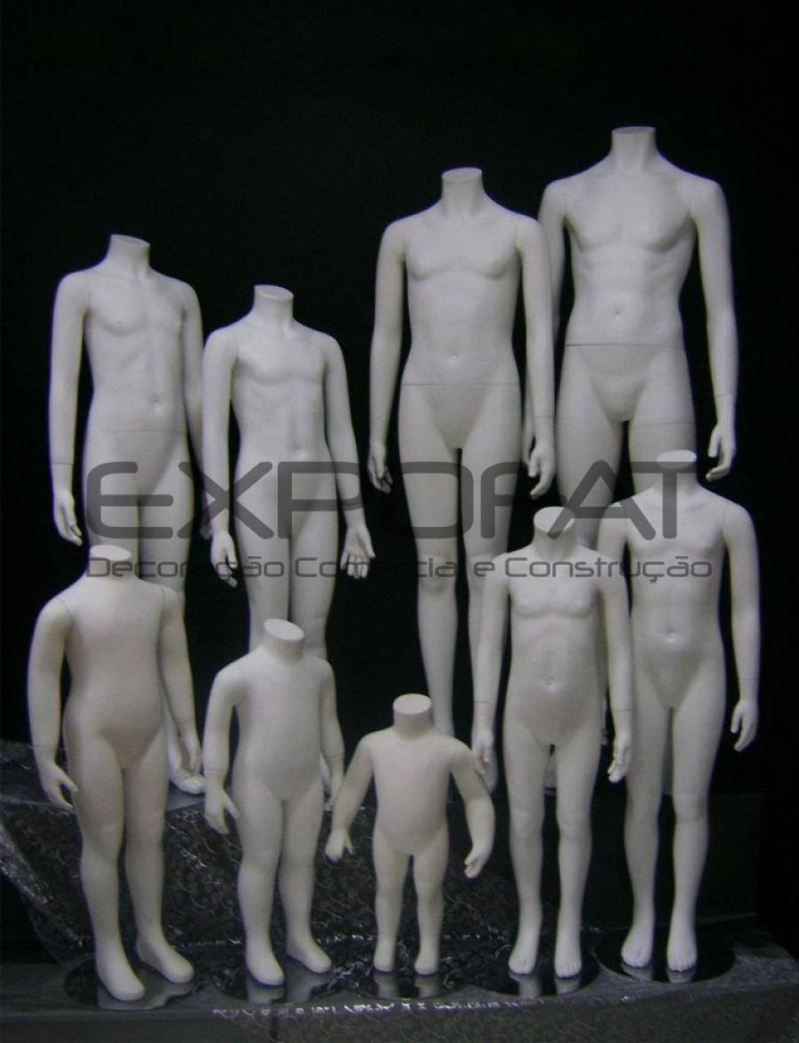 Manequins de criança sem cabeça