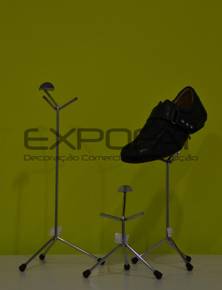 Expositores metálicos para calçado